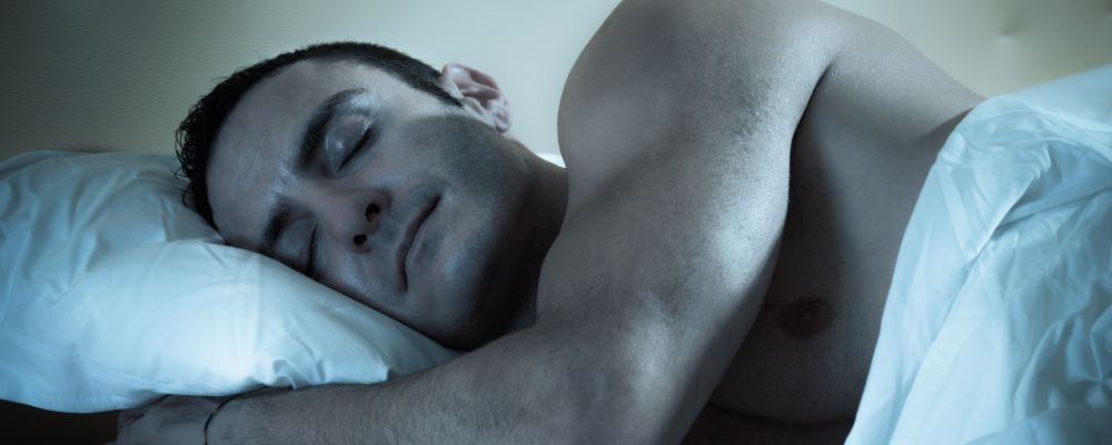 Men's Health: The Health Benefits of Nude Sleeping