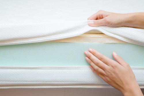 What are the Benefits of Buying a Memory Foam Mattress?